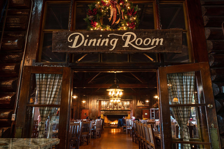 Christmas Dinner Restaurants Near Me 2019.Christmas Day Buffet Starved Rock Lodge