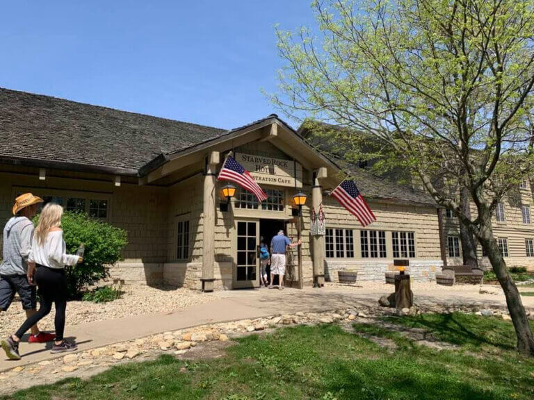 Starved Rock Lodge Wins  Two Awards